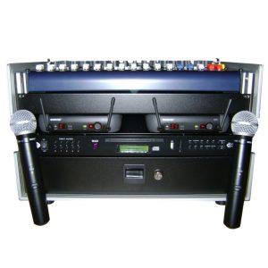 CD Player Bühnenequipment im Case mit zwei Funkmikrofonen