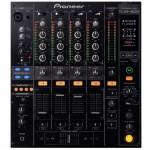 MIschpult für DJs Bühnentechnik Veranstaltungstechnik frontal