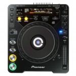 Frontalansicht CDJ 2000 DJ Technik