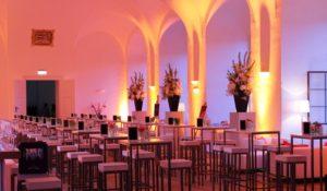 Lichttechnik und Bandtechnik für Hochzeitsfeier mieten