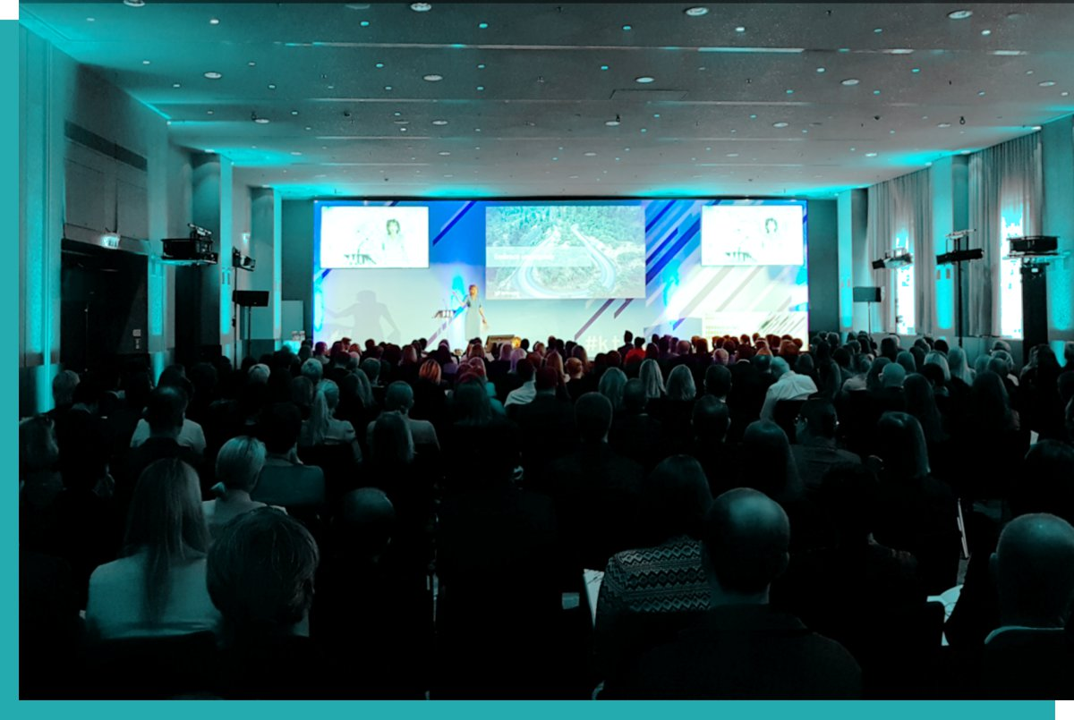Veranstaltungstechnik mieten mit Konferenztechnik für großes Publikum